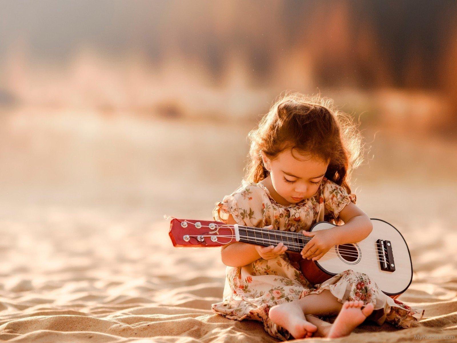 Nepali Cute Girl Wallpaper Sweet Girl Playing Guitar