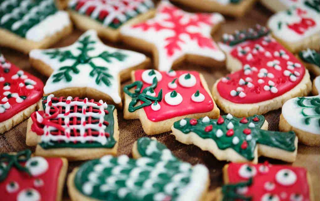 10 Christmas Bake Sale Ideas that are Guaranteed Crowd Pleasers
