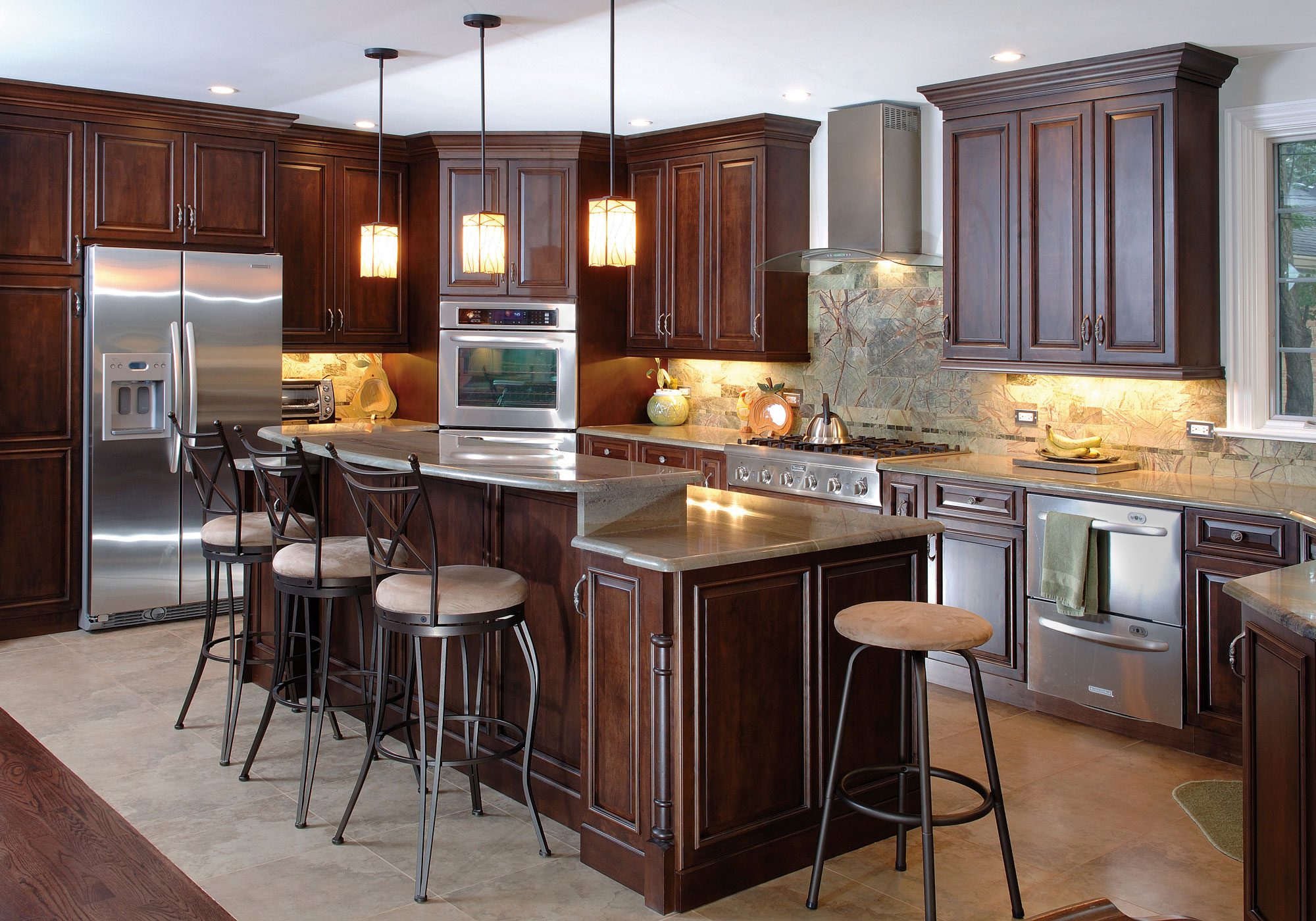 Cream Paint Color Ideas For Modern Kitchen With Cherry Cabinets Colors Want To Have The Best Look Of Your Kitchen? Use The Kitchen Paint Colors With Cherry Cabinets ...