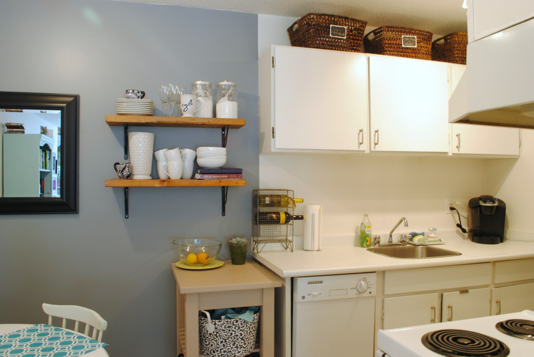 Gorgeous Grey Walls Kitchen Design Inspirations In Any