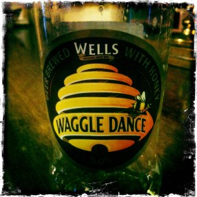 Waggle Dance - Wells & Youngs (372)