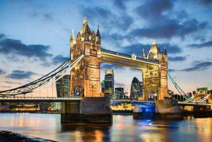 Il Tower Bridge, uno dei ponti di Londra e icona della città