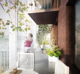 toronto_condo_shared balcony