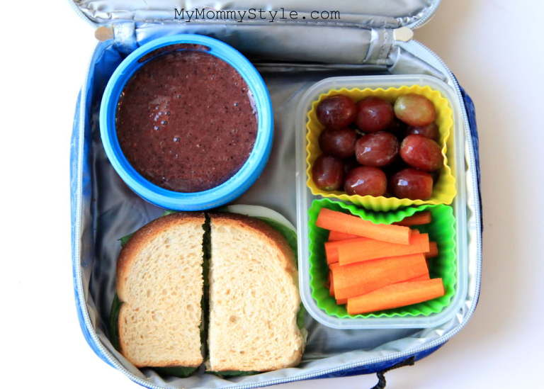 Things to put in a thermos dont forget that a thermos isnt just for hot food we packed a berrypeachspinach smoothie dont forget a straw a sandwich grapes and carrots forumfinder Images