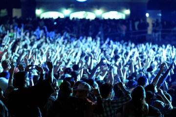 '''crowd-hands