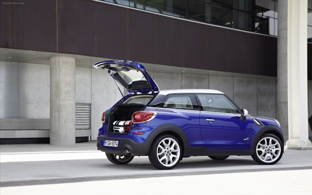 MINI-Paceman-2013-widescreen-47