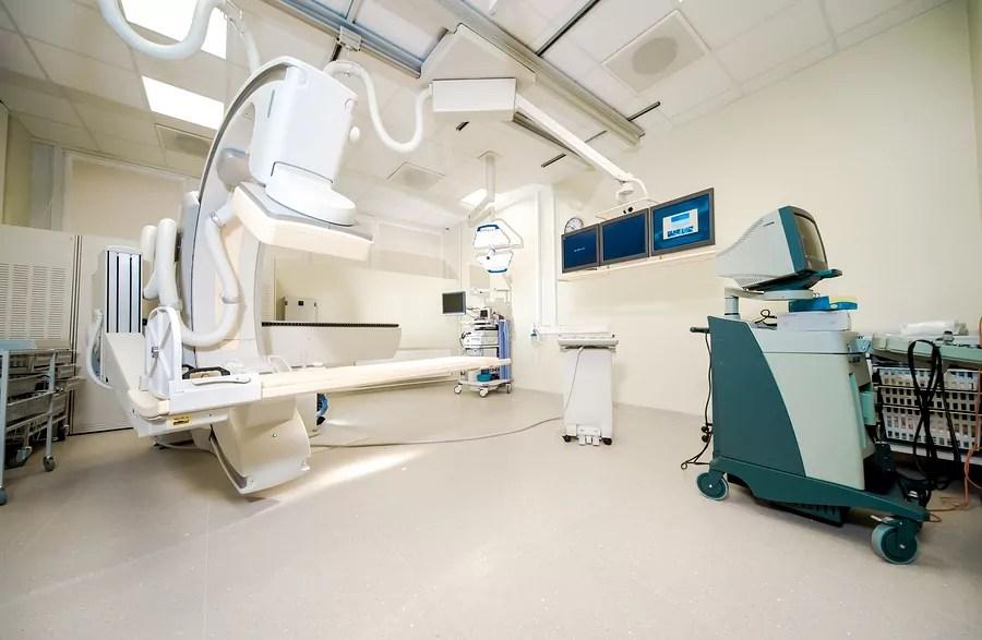 Medical Equipment Repair Technicians Job, Salary, and School