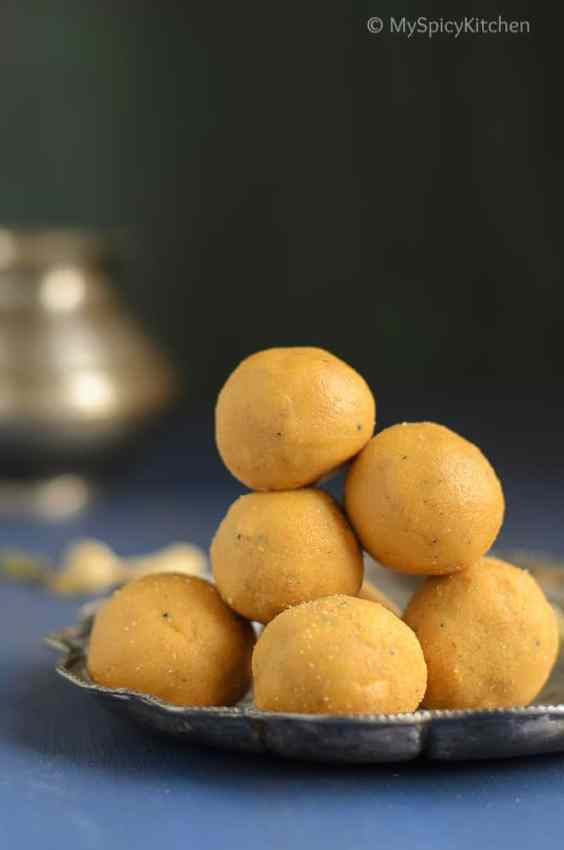 Senagapindi Laddu, Laddu, Ladoo, Besan Laddu, Gram Flour Laddu, Indian Food, Indian Sweet, North Indian Recipe, North Indian Sweets, Telangana Food, Telangana Cuisine, Telugu Food, Telangana Sweets,