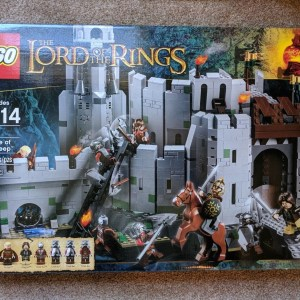 LEGO The Lord of the Rings The Battle of Helm''s Deep (9474) - Brand New Sealed
