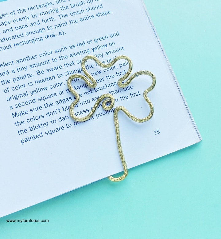 How to Make a Cute Shamrock Wire Bookmark Craft - My Turn for Us
