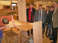 Slow City informiert interessierte Gäste aus Kusel auch über die regionale Holzwirtschaft