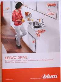 Servo-Drive von Blum – die ersten vollautomatischen Schubladen bei den Möbelmachern