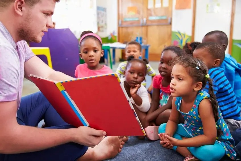 3 Ways Early Childcare Training Students Benefit from Hands-On