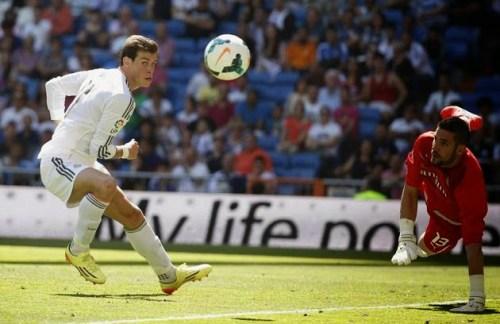 2014 05 17T150022Z 1074061885 GM1EA5H1RRZ01 RTRMADP 3 SOCCER SPAIN 500x324 [Video] Real Madrid 3 – 1 Espanyol [La Liga] Highlights