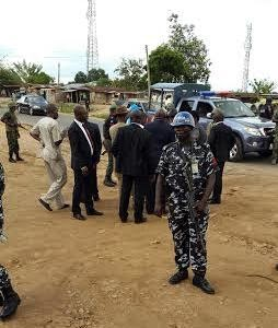 gov2 GOBE!! Gov. Amaechi Arrested, Detained By Soldiers In Ondo – Rivers Govt