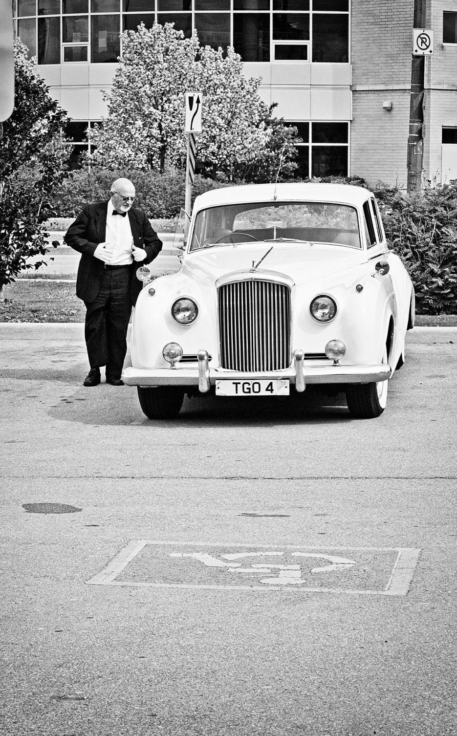 1952-Bentley-indian-canadian-wedding-photography-naina-17.jpg