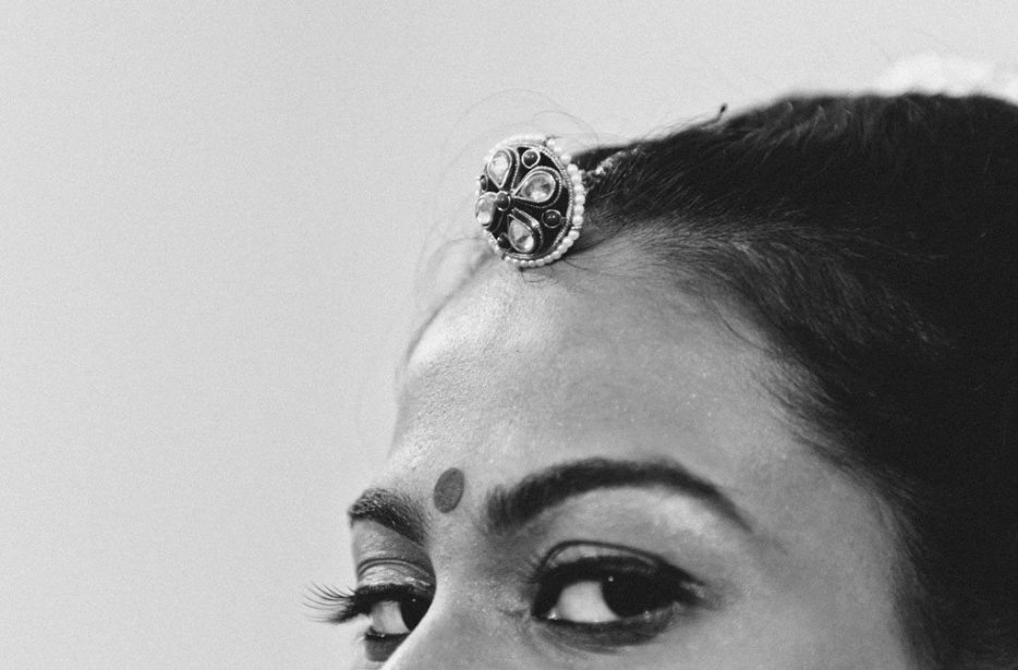 Anuradha-Vaibhav-Indian-Wedding-Photography-Knottytales-Naina-05.jpg