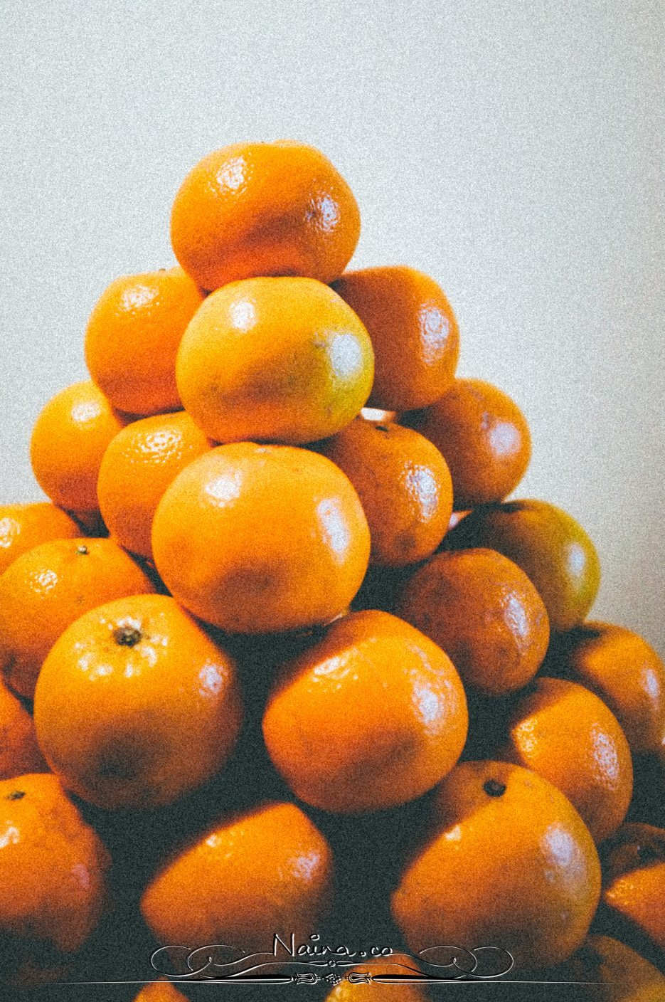 Stack of Oranges, Chicken Parsley Peas, Lifestyle Photographer Naina.co