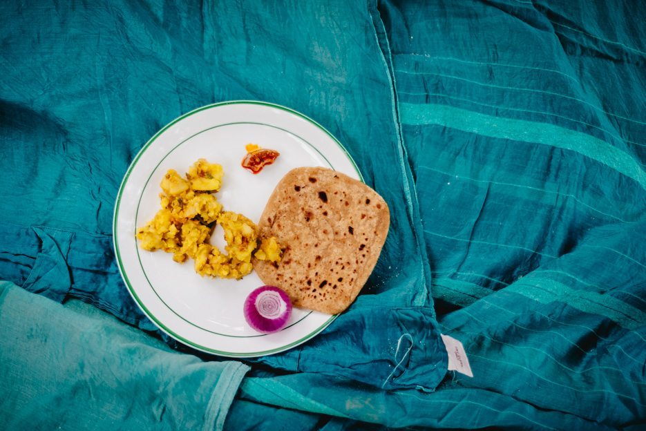 Naina.co-Photographer-Raconteuse-Storyteller-Luxury-Lifestyle-Dharchula-EyesForTravel-EyesForIndia-Picnic