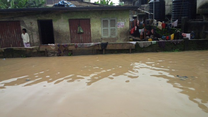 http://mynaijainfo.com/see-the-deplorable-state-of-aba-roads-after-the-7-days-rain-photos
