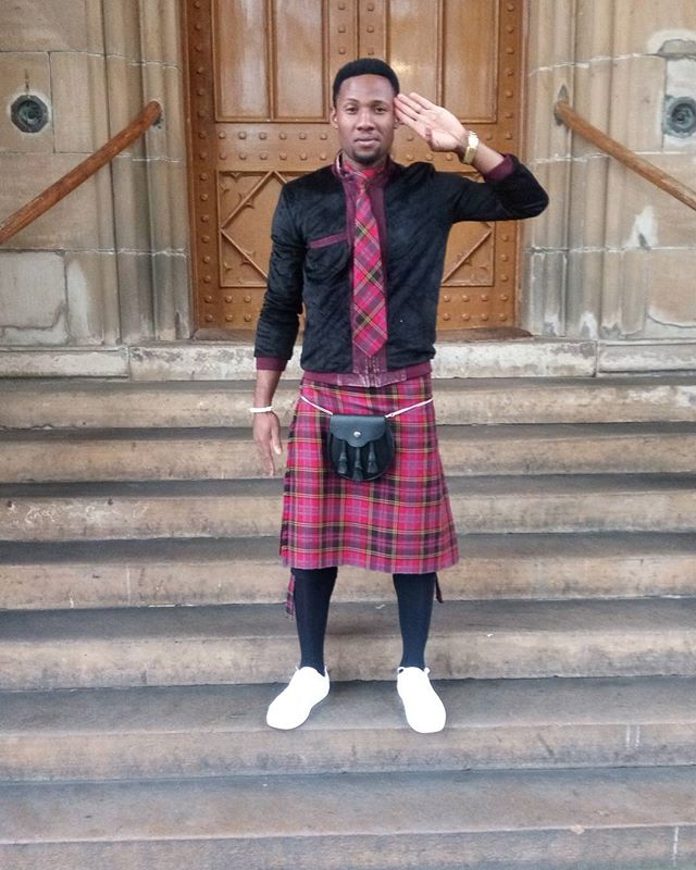 http://mynaijainfo.com/rmd-don-jazzy-spotted-scotland-see-cute-photos/