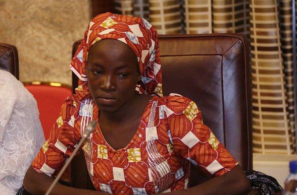 http://mynaijainfo.com/just-found-chibok-girl-meets-president-buhari-photos