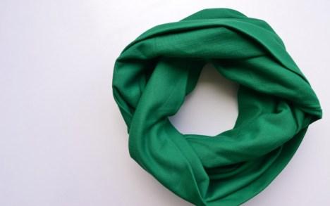 žalias šalikas iš medvilnės