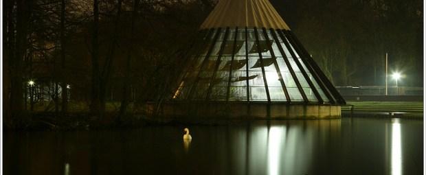 Het Carat paviljoen tijdens de laatste regenachtige avond