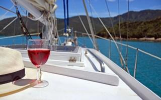 Degustazioni di Vini in Yatch nel Golfo di Napoli