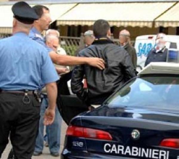Sparatoria a Napoli, Licola Mare: gambizzato un uomo
