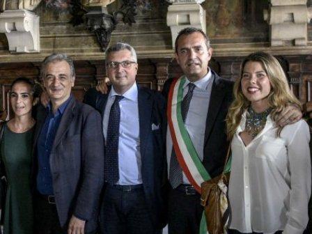 Napoli: de Magistris proclamato sindaco e si commuove