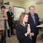 Доцент Кирчо Атанасов награждава с грамота участниците в Народните будители и Аз