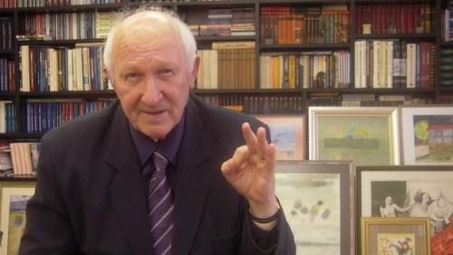 Васил Гюзелев