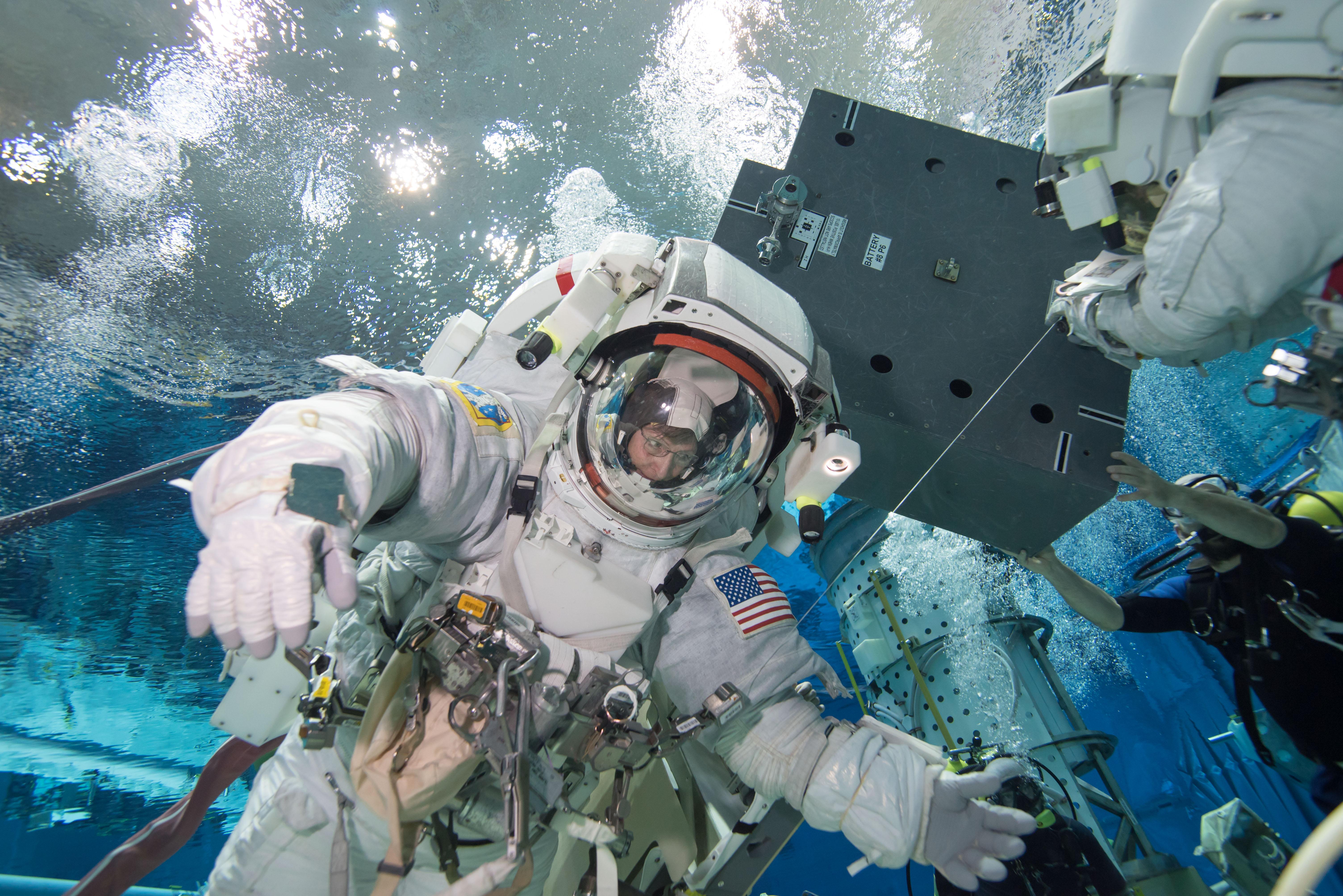 Iss Hd Wallpaper Astronaut Peggy Whitson Trains For A Spacewalk Nasa