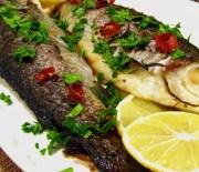 Рыба целая, запеченная в духовке