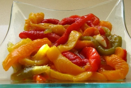 Салат из запеченных болгарских перцев