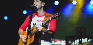 craig campbell shares live compilation video,craig campbell shares live,craig campbell,video of 'outskirts of heaven',outskirts of heaven