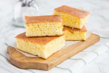 Full of proteins, and full of sweet corn flavor, this easy homemade cottage cheese cornbread is made with all healthy ingredients. Flavored with vanilla, enriched with easily digestible fibers, wholesome but moderate in calories. It may be plain but is just beautiful! CLICK to read more or PIN for later!