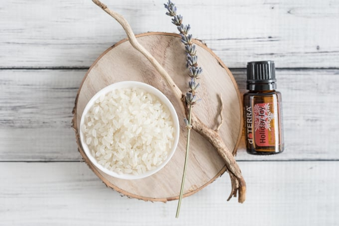 mix-rice-and-essential-oils