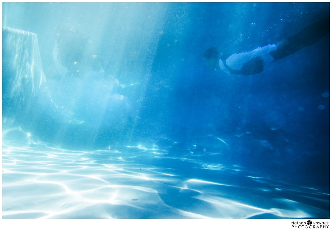Underwater-trash-the-dress-pool-photo-shoot-wedding_0018
