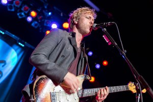 kennywayneshepherd-royaloakmusictheater-royaloak_mi-20140625-chuckmarshall-slider_big