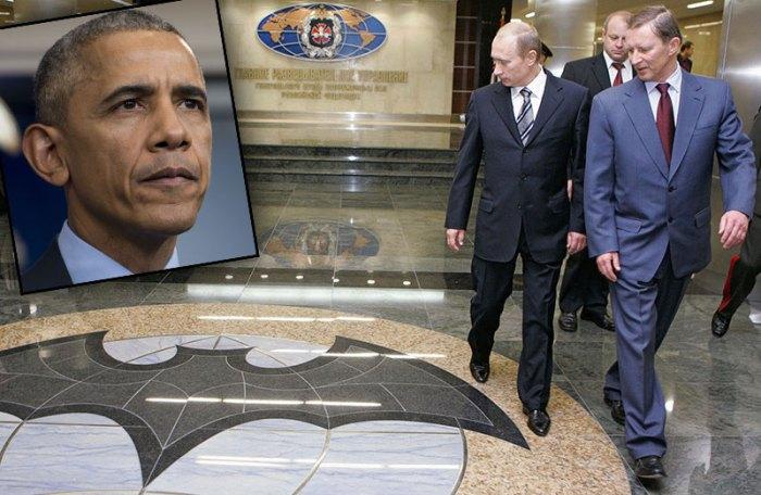 Russian President Vladimir Putin (L) and