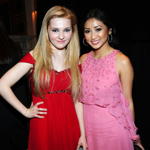 Abigail Breslin and Brenda Song
