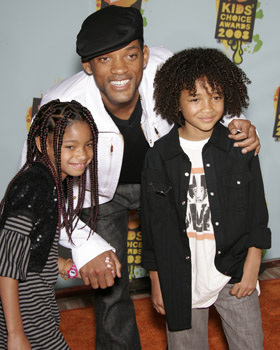 WILL SMITH with kids WILLOW & JADEN at the Kid's Choice Awards 2008.