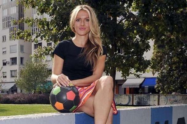 Australian Girl Wallpaper Sexy Model Tihana Nemcic Train Football Club In Croatia