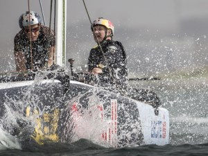 Extreme Sailing Series : Oman Air storms home to win on sensational final day