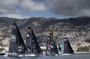 Alinghi remporte l'Act 6 des Extreme Sailing Series dans un incroyable come-back