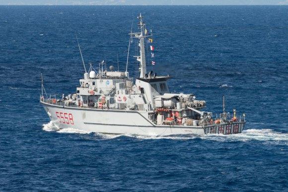 caça-minas Crotone no Brilliant Mariner 2013 da OTAN - foto Marinha Italiana