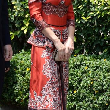 キャサリン妃のインド訪問ファッションとLKベネット