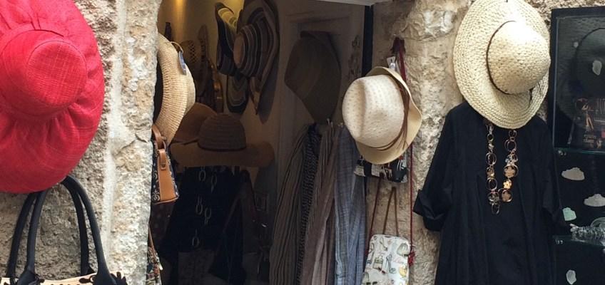 フランス旅行のお土産、フランス刺繍のナプキン